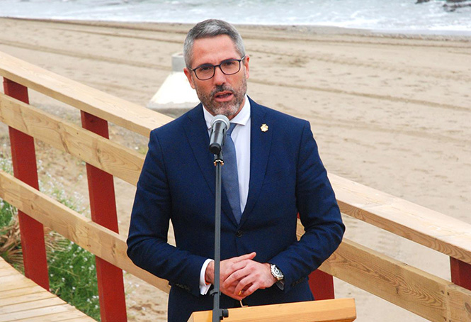 Major of Mijas launches boardwalk
